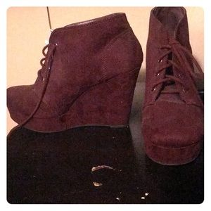 Maroon ankle boot, wedges